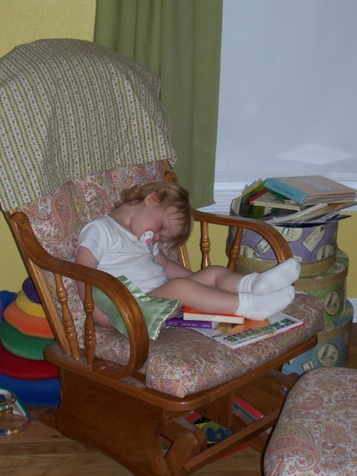 Nap_in_chair