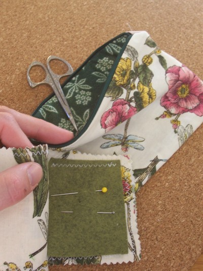 Green_flower_sewing_kit